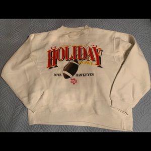 Sweaters - Vintage 1991 holiday bowl sweatshirt